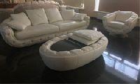 Комплект мягкой мебели, обивка кожа высшей категории, отделка выполнена камнями SWAROVSKI